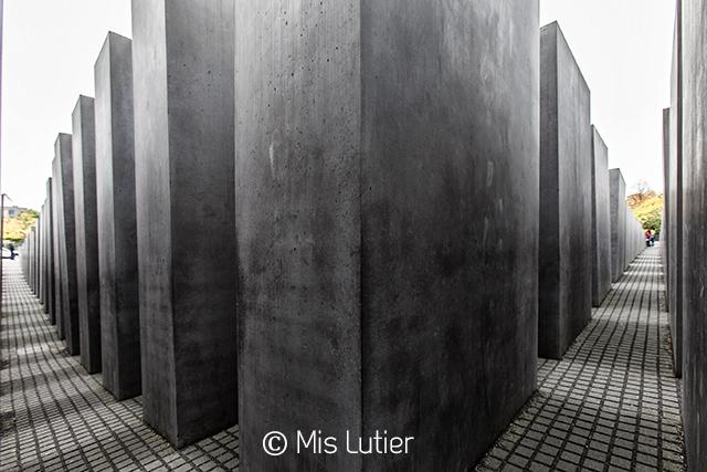 5.MonumentoHolocausto_Copyright_MisLutier.jpg
