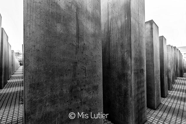 7.MonumentoHolocausto_Copyright_MisLutier.jpg