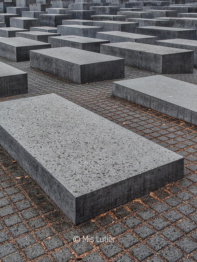 9.MonumentoHolocausto_Copyright_MisLutier.jpg